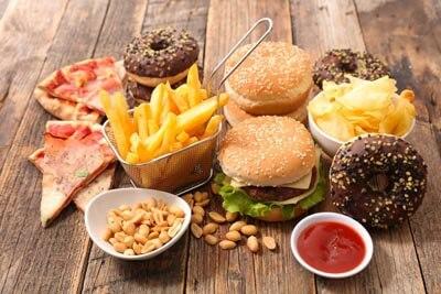 niezdrowa dieta przyczyną rozstępów